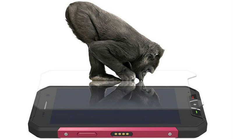 Oinom V1600 Black (Nomu V1600) имеет защищенное от ударов стекло