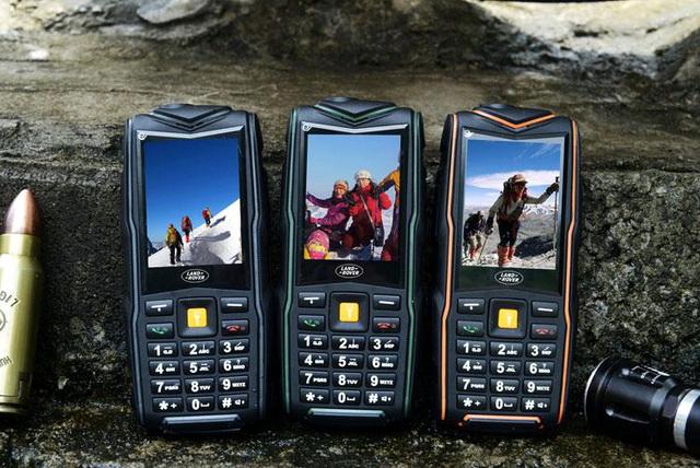 Land rover F8 телефон не боится ударов и падений