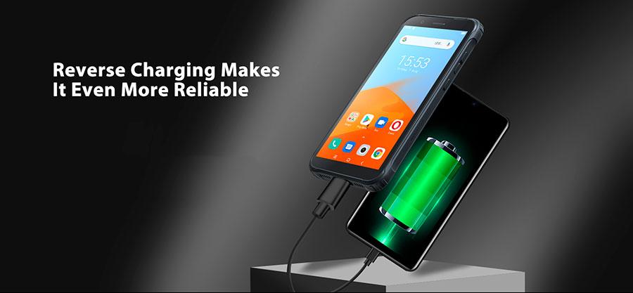 Blackview BV4900 3/32GB Black смартфон имеет реверсивную зарядку